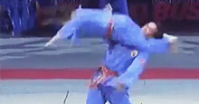 Dünya Bu Karateci Kızı Konuşuyor