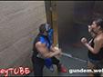 Asansördekilere Mortal Kombat Şakası Yapmak..